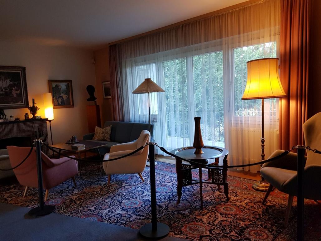 Wohnzimmer mitt Originalmöbeln von Theodor Heuss